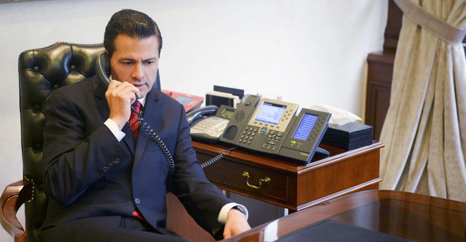 Enrique Peña Nieto, durante una llamada telefónica con Donald Trump.