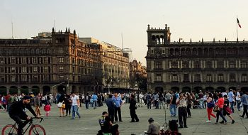 Zocalo, Mexico City. Flickr de CCNincic, licencia Creative Commons.